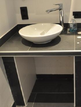 waschtisch gefliest eckventil waschmaschine. Black Bedroom Furniture Sets. Home Design Ideas